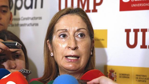 La ministra de Fomento en funciones, Ana Pastor, en Santander