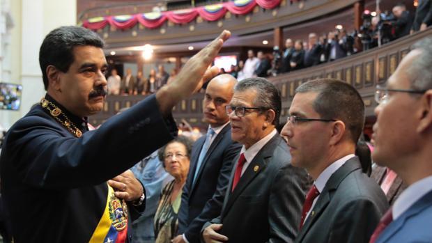 Maduro quiere dialogar con los países americanos que le aíslan
