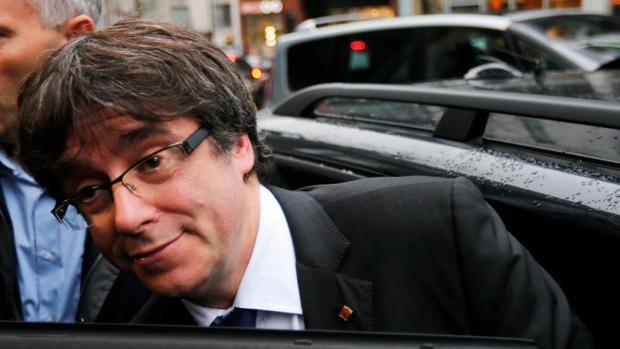 Carles Puigdemont, el viernes, a su llegada a la rueda de prensa que celebró en Bruselas