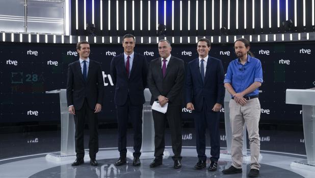 Albert Rivera apabulla a Pedro Sánchez con la foto en Pedralbes con Quim Torra