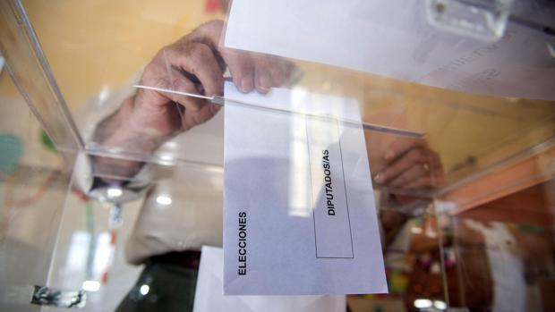 Voto en blanco, ¿a quién favorece?