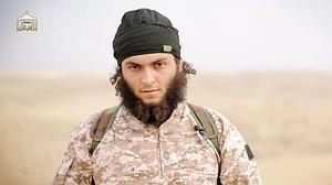 Captura de un video de propaganda yihadista en el que aparece el francés Dos Santos, enrolado en el Daesh