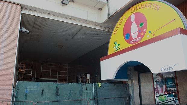 La antigua discoteca (tras las lonas verdes), apura los trabajos para estar lista el 31 de diciembre