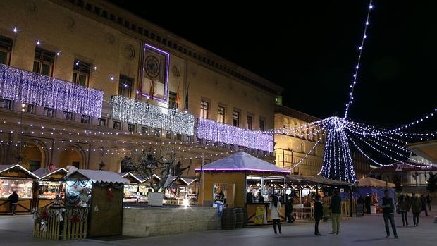 b6fea8d9cf3 Aragón La Plaza del Pilar se transforma en Navidad