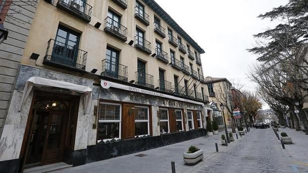Arturo fern ndez pierde el miranda su m tico hotel en - Alquiler de pisos en san lorenzo de el escorial ...