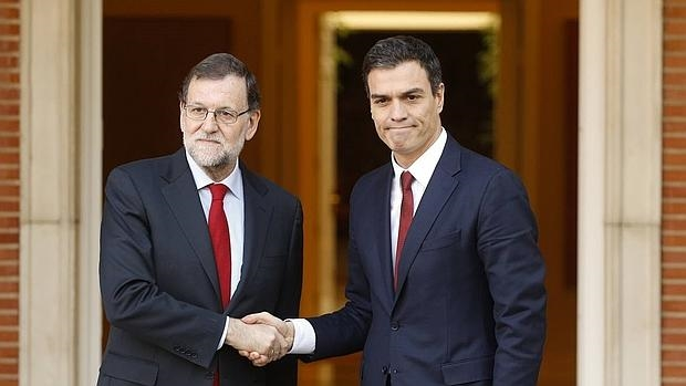 Image result for rajoy and sanchez at moncloa