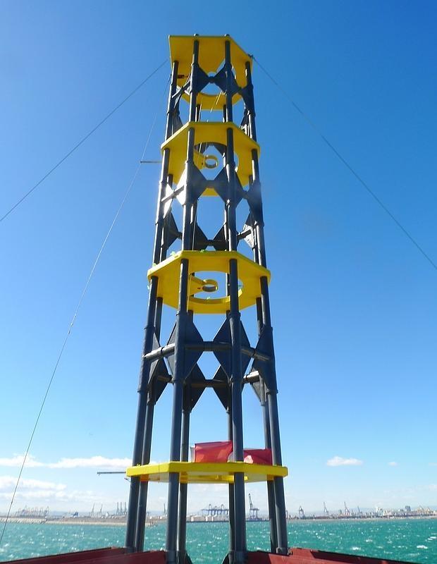 El nuevo faro del puerto de valencia recibe un premio a la - Laydown puerto valencia ...