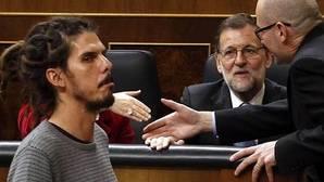 Patxi López permitirá a los diputados de Podemos indumentaria libre