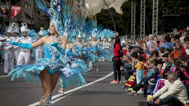 Un momento de la celebración del Coso del Carnaval de Santa Cruz de Tenerife