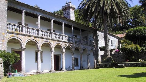 Galicia la meca de las casas y los pazos de lujo pazo a la venta en la corua del siglo xvii precio 2750 altavistaventures Choice Image