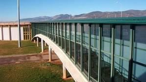 Piden funcionarios en prácticas por falta de personal en la cárcel de Albolote (Granada)