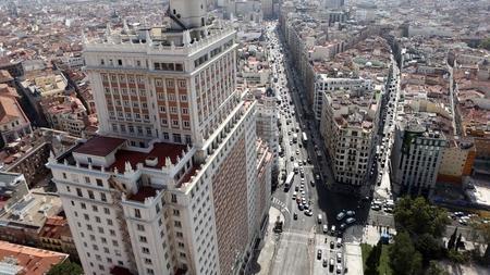 Edificio espa a historia de una rehabilitaci n fallida for Edificio de la comunidad de madrid