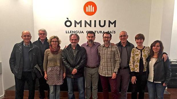 Imagen de los integrantes de la junta directiva de la Federació Llull