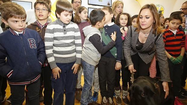 La sede de la Fundación ONCE en Valladolid acoge la exposición «25 años caminando juntos»
