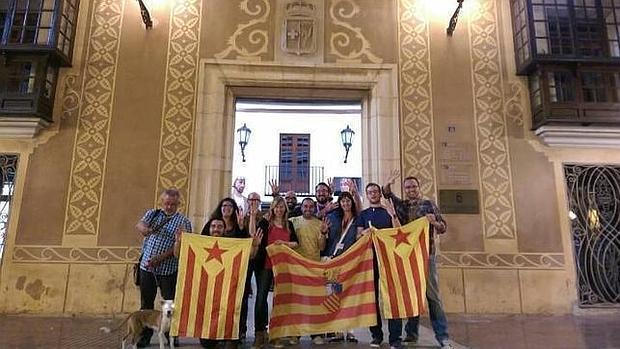 Imagen de los concejales de Compromís en la localidad castellonense de Benicarló