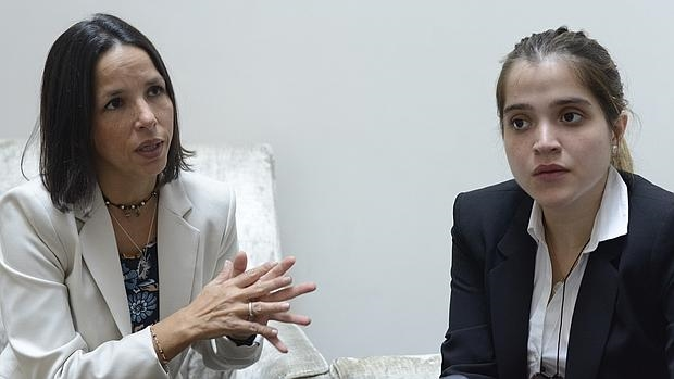 Oriette (izq.) y Antonietta, en un momento de la entrevista con ABC