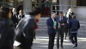 Manos Limpias ingresó sobres de hasta 5.000 € de empresarios y jueces