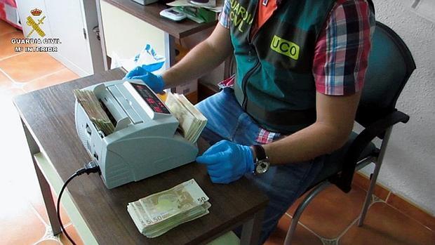 La Guardia Civil española ha desarticulado una red que blanqueaba dinero procedente del narcotráfico