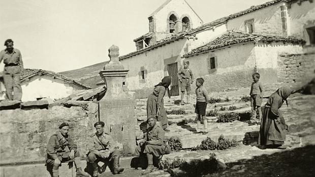 Soldados y mujeres convivían pacíficamente en Lastras de las Eras