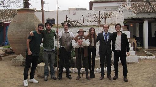 Componentes de Vitela Teatro con los poetas participantes