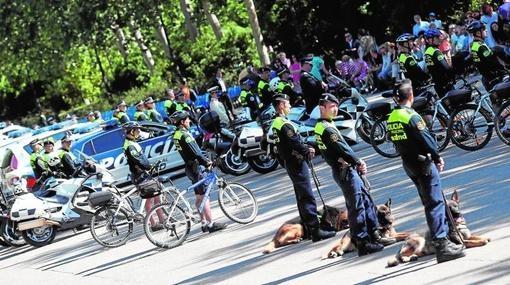 Agentes de la Policía Municipal dura