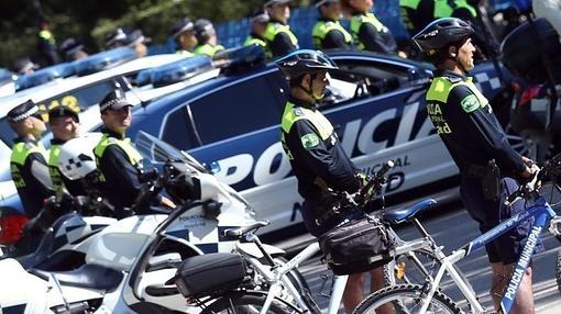 Agentes ciclistas de la Policía Municipal de Madrid