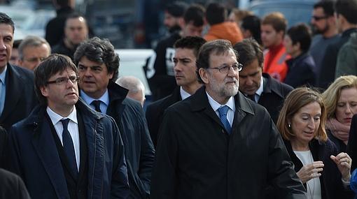 Puigdemont y Rajoy, durante el acto