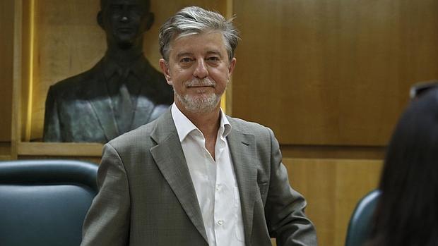 Pedro Santisteve, alcalde de Zaragoza por la coalición ZEC, liderada por Podemos e IU