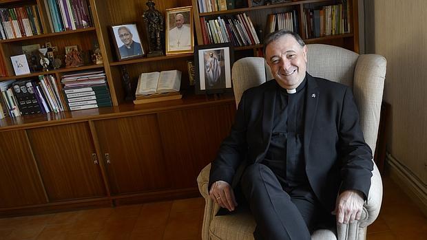 De las Heras, hasta ahora presidente de Confer (Conferencia Española de Religiosos) y superior de la provincia de los Claretianos de Santiago, será ordenado obispo de Mondoñedo-Ferrol el próximo 7 de mayo