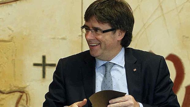 Cataluña fue la que más aumentó los gastos de personal en 2015, un 9,15% respecto a 2015. En la imagen, el presidente de la Generalitat, el independentista Carles Puigdemont
