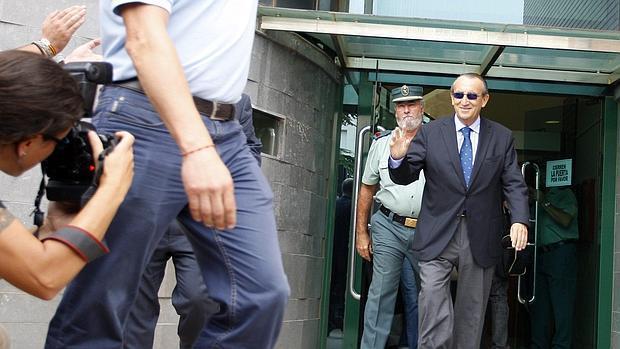 Imagen de archivo de Carlos Fabra a la salida de los juzgados de Nules