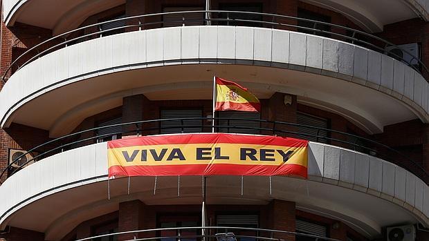 Imagen de la bandera de España en el domicilio del Marqués de Cáceres