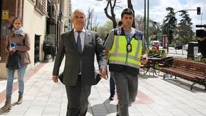 Luis Pineda, presidente de Auisbanc, en el momento de su detención este viernes