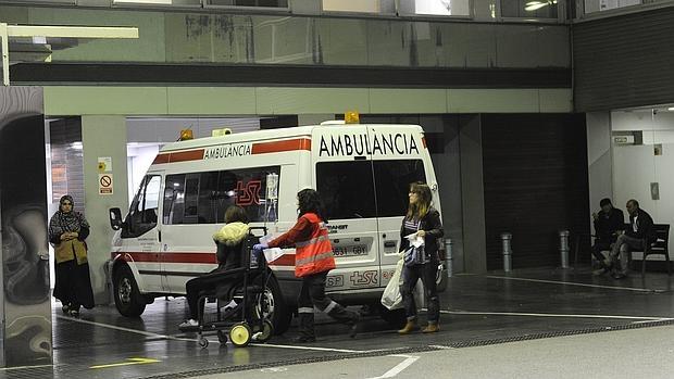 Una técnica sanitaria realiza sola un servicio nocturno en la zona de Barcelona