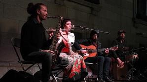 El grupo, durante su actuación en Toledo