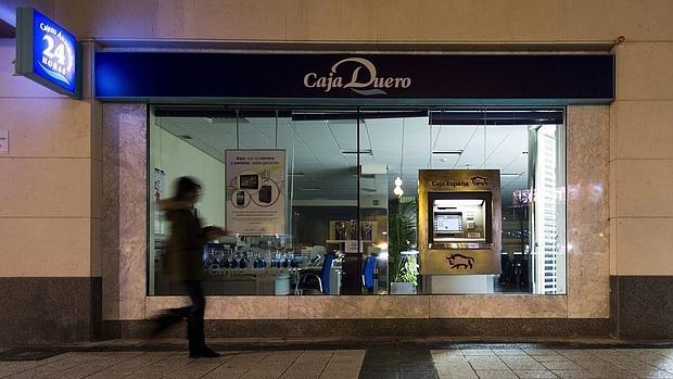 Banco ceiss ofrece recolocar a unos 200 trabajadores en for Sucursales banco espana