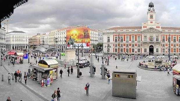Plan del ayuntamiento para reordenar la puerta del sol for Puerta del sol hoy