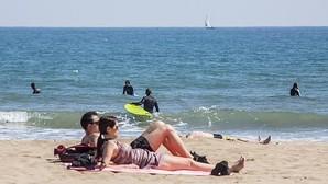 Las playas del Cabanyal y la Malvarrosa recuperan la Bandera Azul