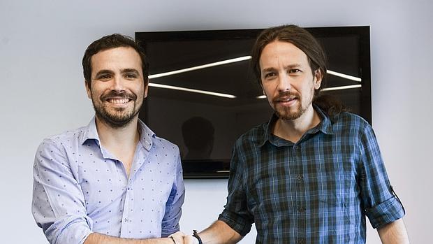 Alberto Garzón y Pablo Iglesias en una reunión para tratar la situación política de España