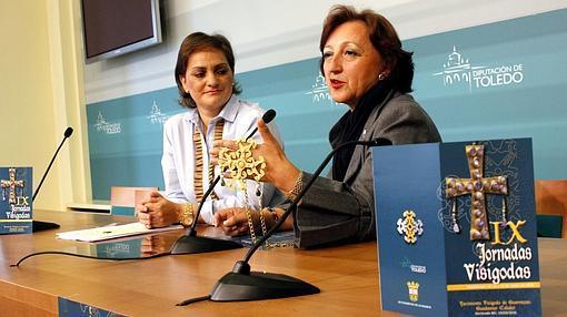 Sagrario Gutiérrez, en la presentación de las jornadas junto con la vicepresidenta de la Diputación de Toledo María Ángeles García