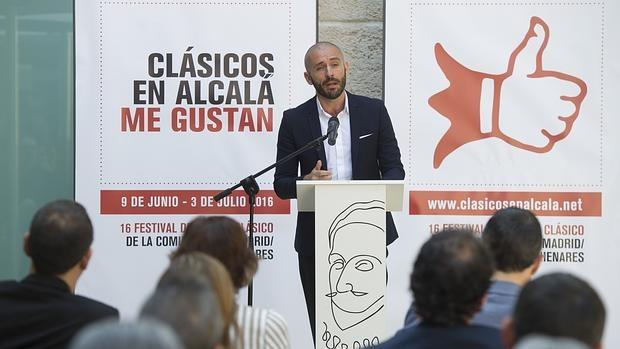 Jaime de los Santos, director de Promoción Cultural, en el acto de presentación del festival