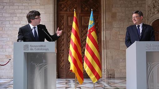 Imagen de la reunión de Puig y Puigdemont