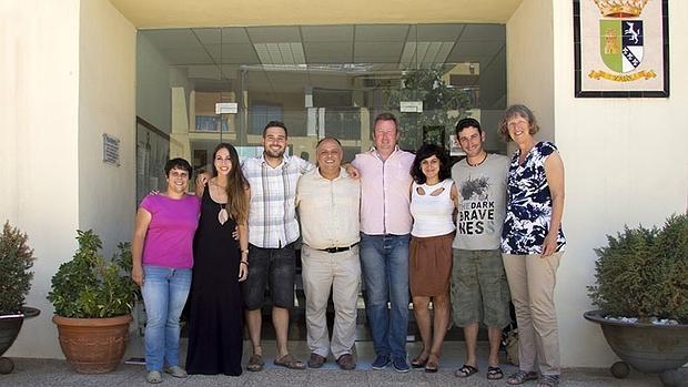 Los ocho concejales de Compromís en el Ayuntamiento de Xaló.