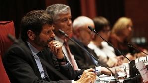 El director de los Mossos d'Esquadra, Albert Batlle, durante la comparecencia en el Parlamento catalán