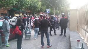 Los Mossos custodian el local en Mataró donde el PP ha celebrado esta tarde un acto