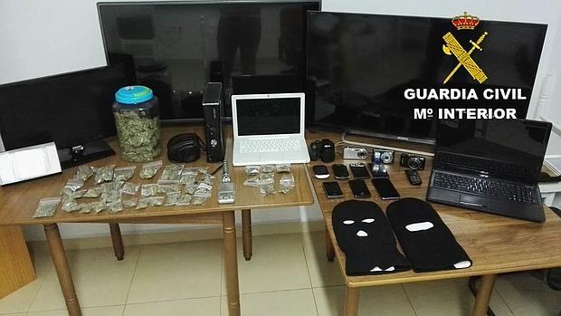 Material intervenido a la banda de ladrones y traficantes.