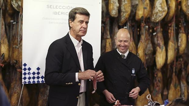 Cayetano Martínez de Irujo durante el acto en Guijuelo