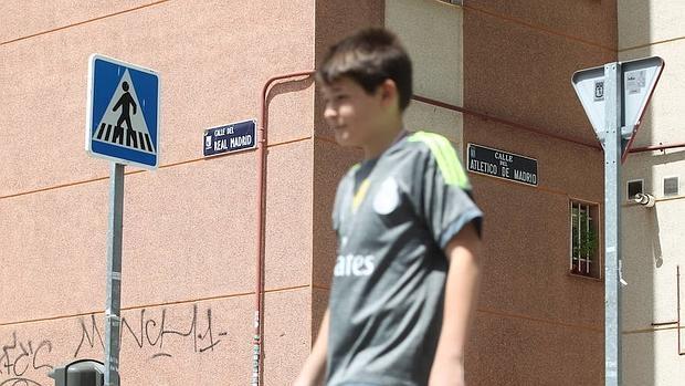El Lugar Donde Se Cruzan Las Calles Real Madrid Y Atl Tico