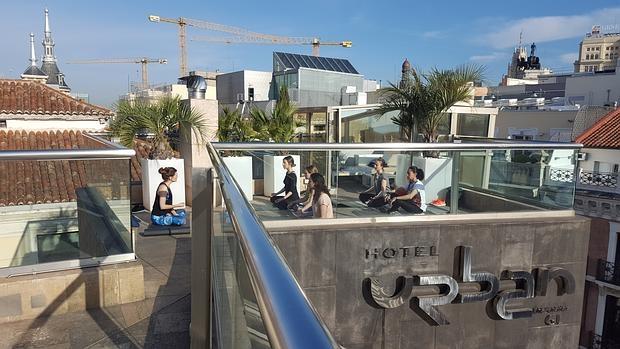 Hotel urban el ltimo rinc n zen para practicar yoga en for Design hotel urban madrid