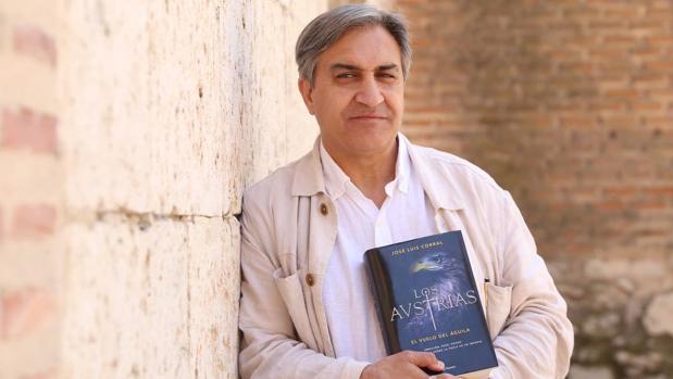 José Luis Corral, durante la presentación de su novela en Tordesillas
